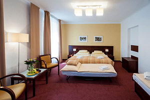 Hotel Petr Prague - Family room with two extra beds